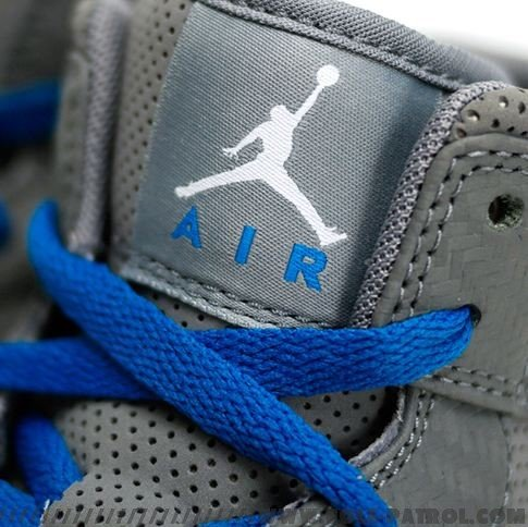 air-jordan-i-1-phat-carbon-fiber-cool-greyimperial-blue-1