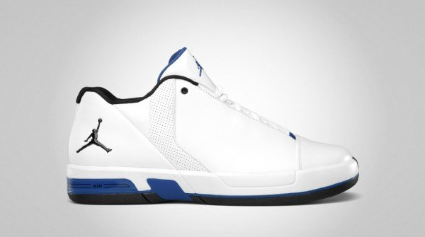 jordan-te-3-low-whitevarsity-royal-black-1