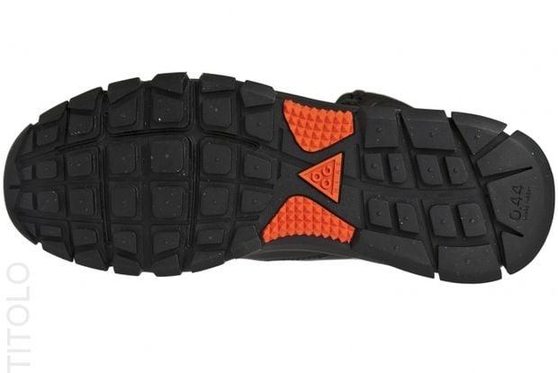 nike-acg-air-nevist-6-blackteam-orange-4