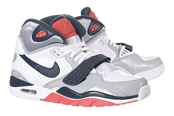 nike-air-trainer-sc-ii-whitenavy-wolf-gray-infrared-1