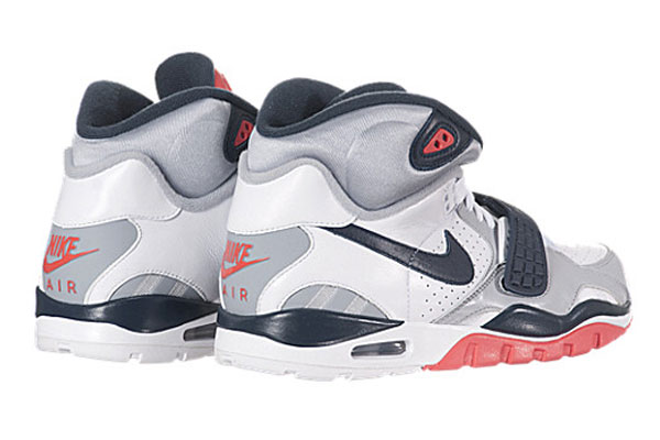 nike-air-trainer-sc-ii-whitenavy-wolf-gray-infrared-3