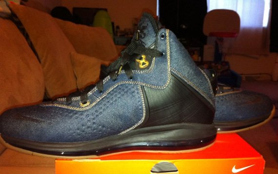 nike-lebron-8-denim-new-images-2