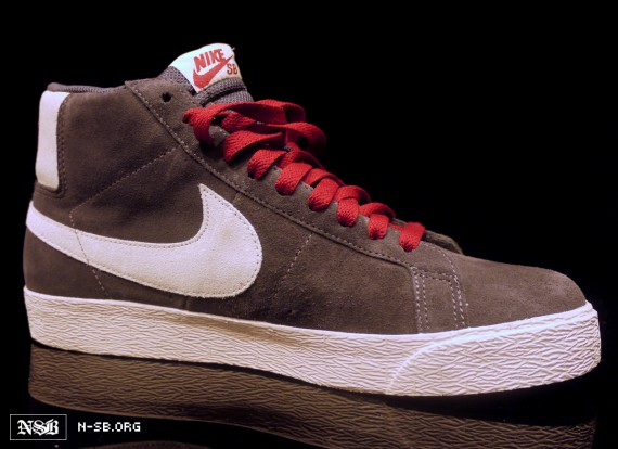 nike-sb-blazer-high-greywhite-red-3