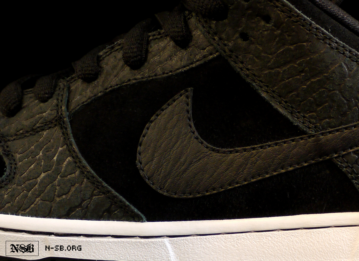 nike-sb-dunk-low-lights-out-a-closer-look-1