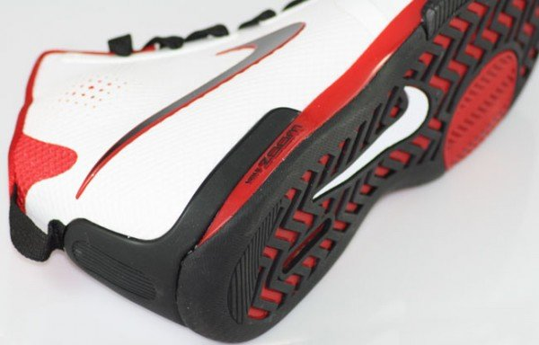 nike-zoom-bb-1-5-hyperfuse-whitered-first-look-2