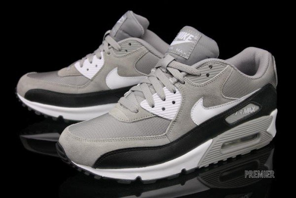 Nike Air Max 90 - Medium Grey - Available Now