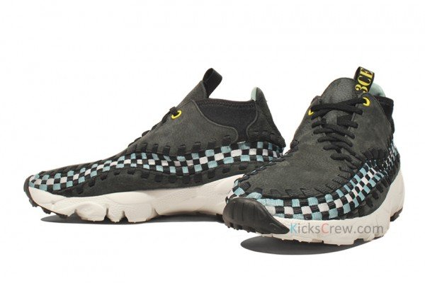 "Nike Air Footscape Woven Chukka ""3CE"""