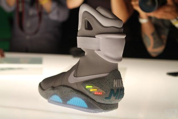 Nike-Air-Mag-Detailed-Images-1