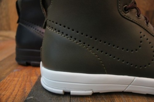 Nike Air Royaltna Mid QS - Available Now