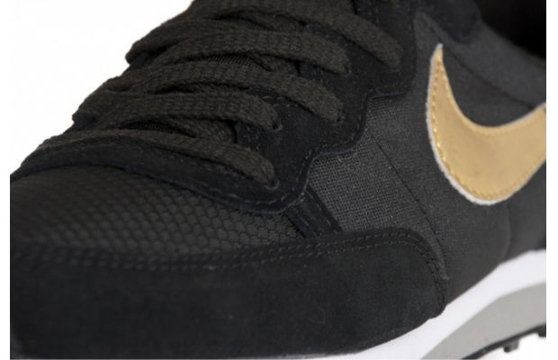 best service 4e3b5 33dc9 Nike Challenger – BlackGold – Now Available