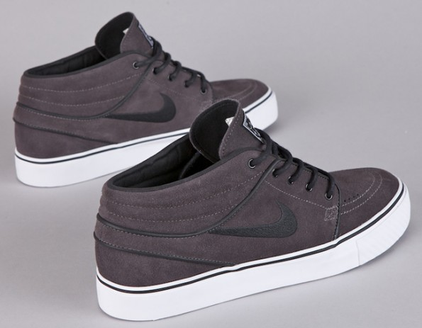 "Nike SB Janoski Mid ""Midnight Fog"" - Available Early"