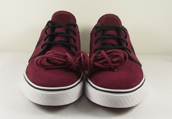 "Nike SB Janoski ""Team Red"" - Now Available"
