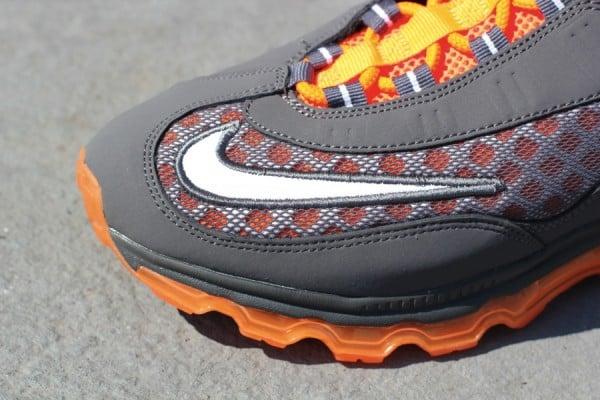 Release Reminder: Nike Air Max Jr. - Dark Grey/White-Total Orange