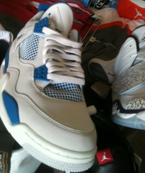 Air Jordan IV (4) Military Blue 2012 Sample