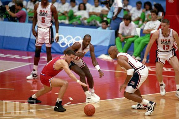 Charles Barkley Charging Loose Ball 1992 Dreamy Team