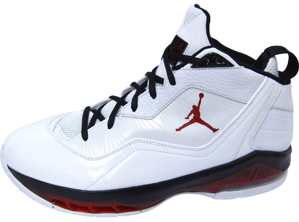 jordan-melo-m8-whitevarsity-red-black-1