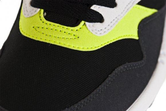 Nike Air Max 1 - Black Anthracite Volt-White  7388ecba33
