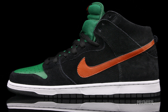 nike-sb-dunk-high-jagermeister-fall-2011-1