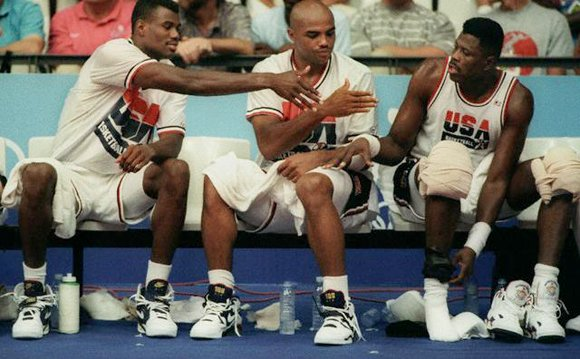 Patrick Ewing High Fives Barkley Robinson Olympic 1992 Dream Team