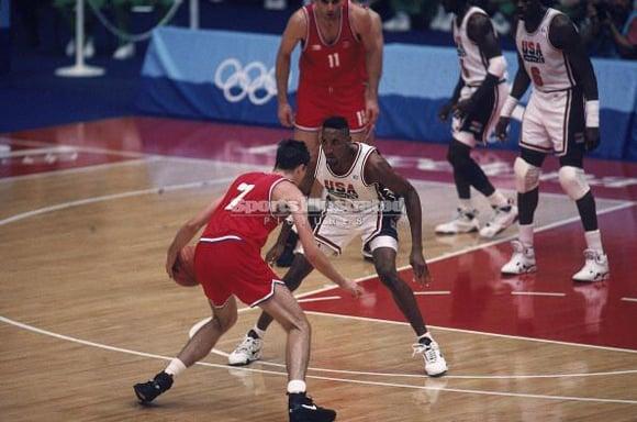Scottie Pippen Guarding Toni Kukoc 1992 Olympics