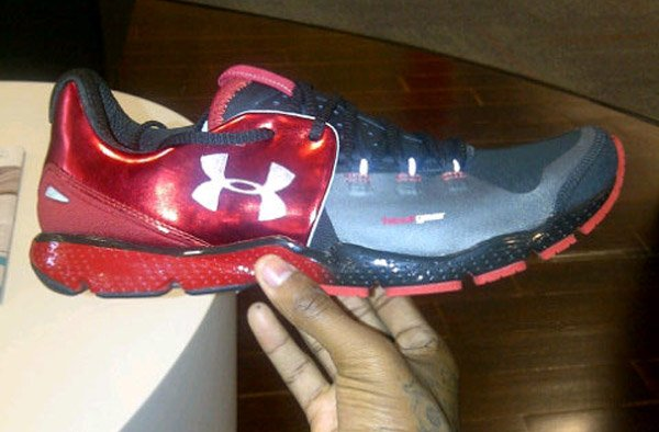 under-armour-charge-rc-red-black