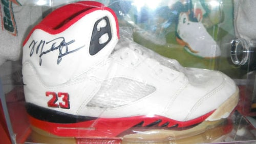 Autographed-OG-Air-Jordan-V-(5)-Fire Red