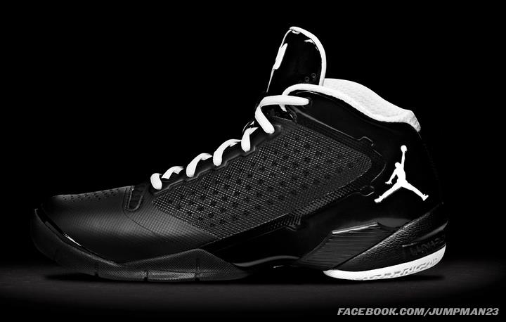 Jordan-Fly-Wade-2-Officially-Unveiled-17