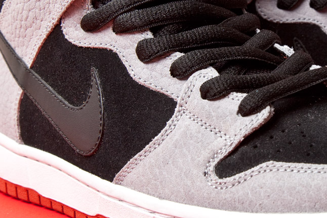 "Nike SB Dunk Mid ""Dragon Red"" - Release Date + Info 3"