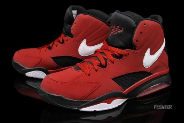 new product b73d3 e45bd outlet Nike Air Maestro Flight Varsity Red Now Available