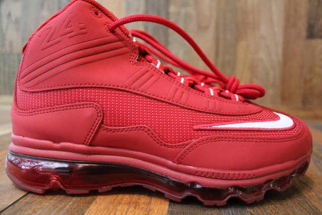 "Nike Air Max Jr. ""Cincinnati Reds"" - Available Early"