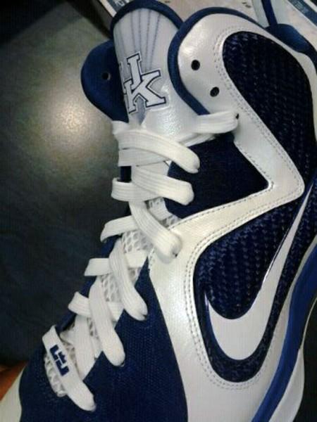 "Nike LeBron 9 ""Kentucky"" Home PE - Teaser"