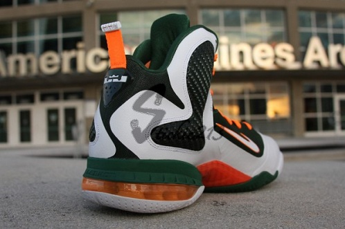 "Nike LeBron 9 ""Miami Hurricanes"" PE - A Closer Look"