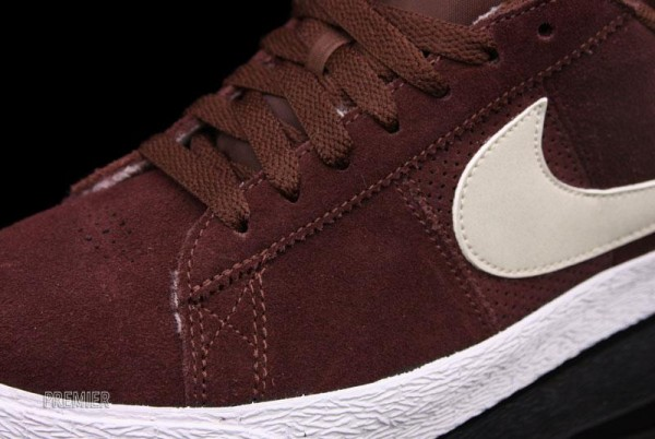 Nike SB Blazer Low Team Brown - Now Available