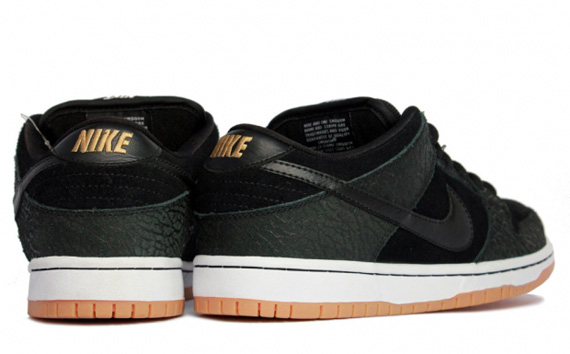 "Nike SB Dunk Low Pro ""Entourage"" - New Images"