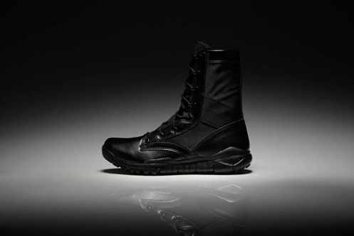 Nike Sportswear Special Field Boots - Holiday 2011  89c37f8550