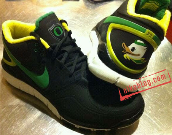 "Nike Trainer 1.3 Free ""Oregon Fighting Ducks"""