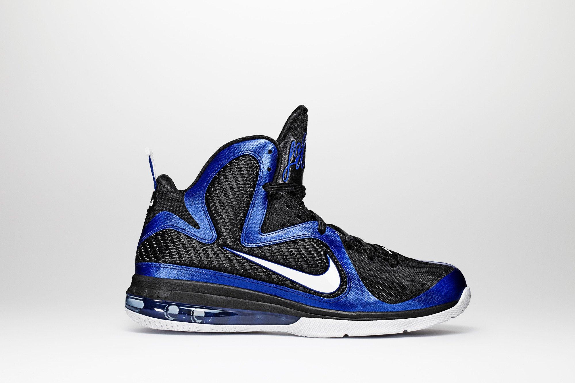 �9�+��ky����a_ReleaseReminder:NikeLeBron9Kentucky|SneakerFiles