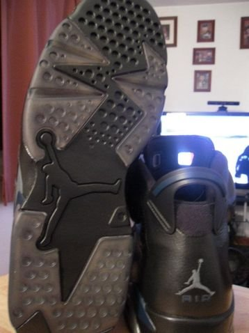 air-jordan-retro-6-dark-knight-customs-4