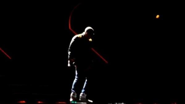 celebrity-sneaker-watch-chris-brown-nike-air-mag-3