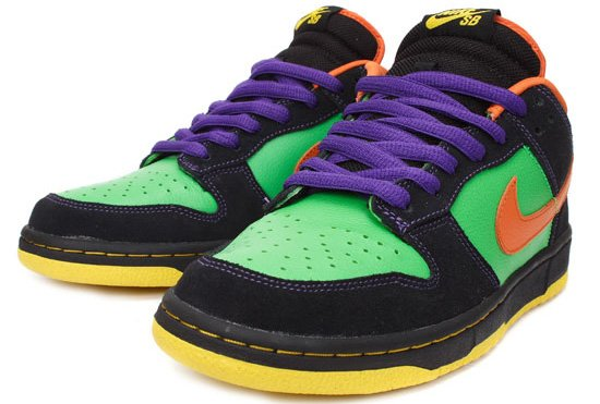 Nike Dunk SB Low Green Spark Hoop Orange Halloween Sneakers