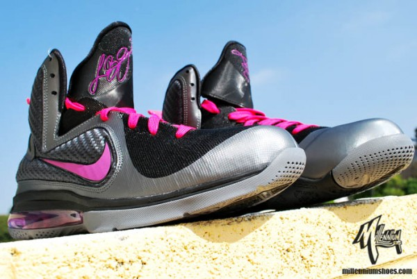 nike-lebron-9-miami-nights-3