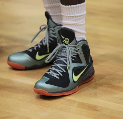 online store 86909 69364 LeBron James Wears the Nike LeBron 9