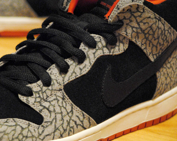 nike-sb-dunk-mid-supreme-sb-customs-by-cemeterydrive-1