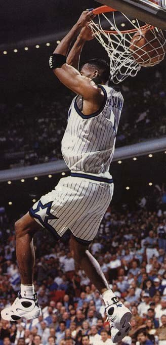 Penny Hardaway Dunking in Nike Flight One Home