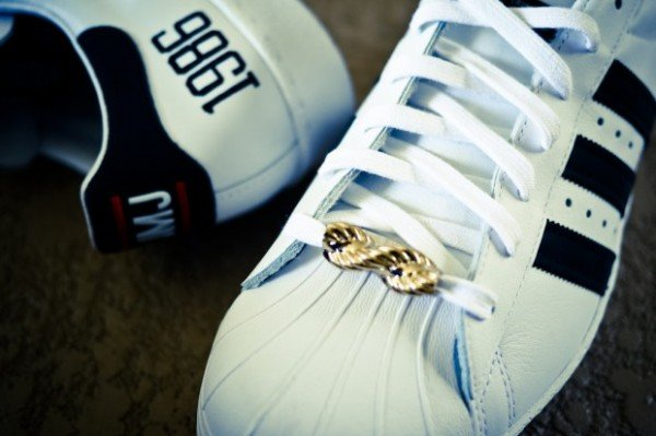 run-dmc-adidas-originals-my-adidas-25th-anniversary-superstar-80s-2