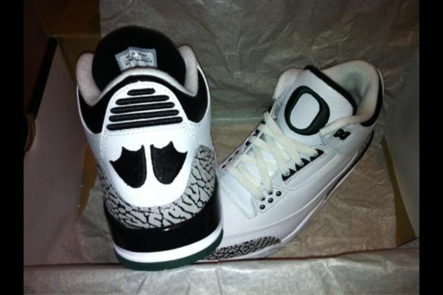 "New Image: Air Jordan III (3) ""Oregon"" - Home PE"