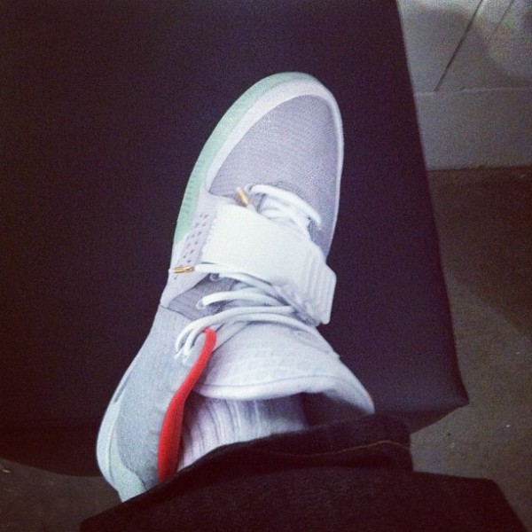 Celebrity Sneaker Watch: Shawn Pecas Costner Shows Off the Zen Grey Yeezy 2