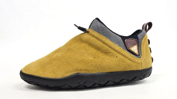 Nike ACG Air Moc 1.5 - Black and Sand