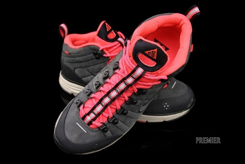 Nike ACG Lunar Macleay Anthracite/Solar Red - Available Now