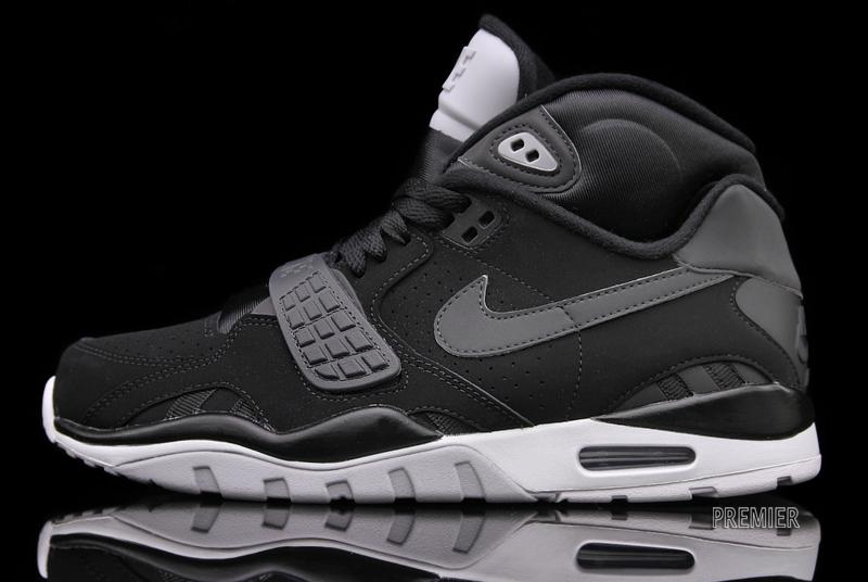 finest selection 4c5b5 71fda Nike Air Trainer SC II Black Nubuck – Now Available